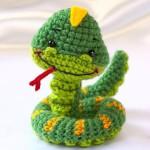 94404412_3885146_crochet_snake2_resize